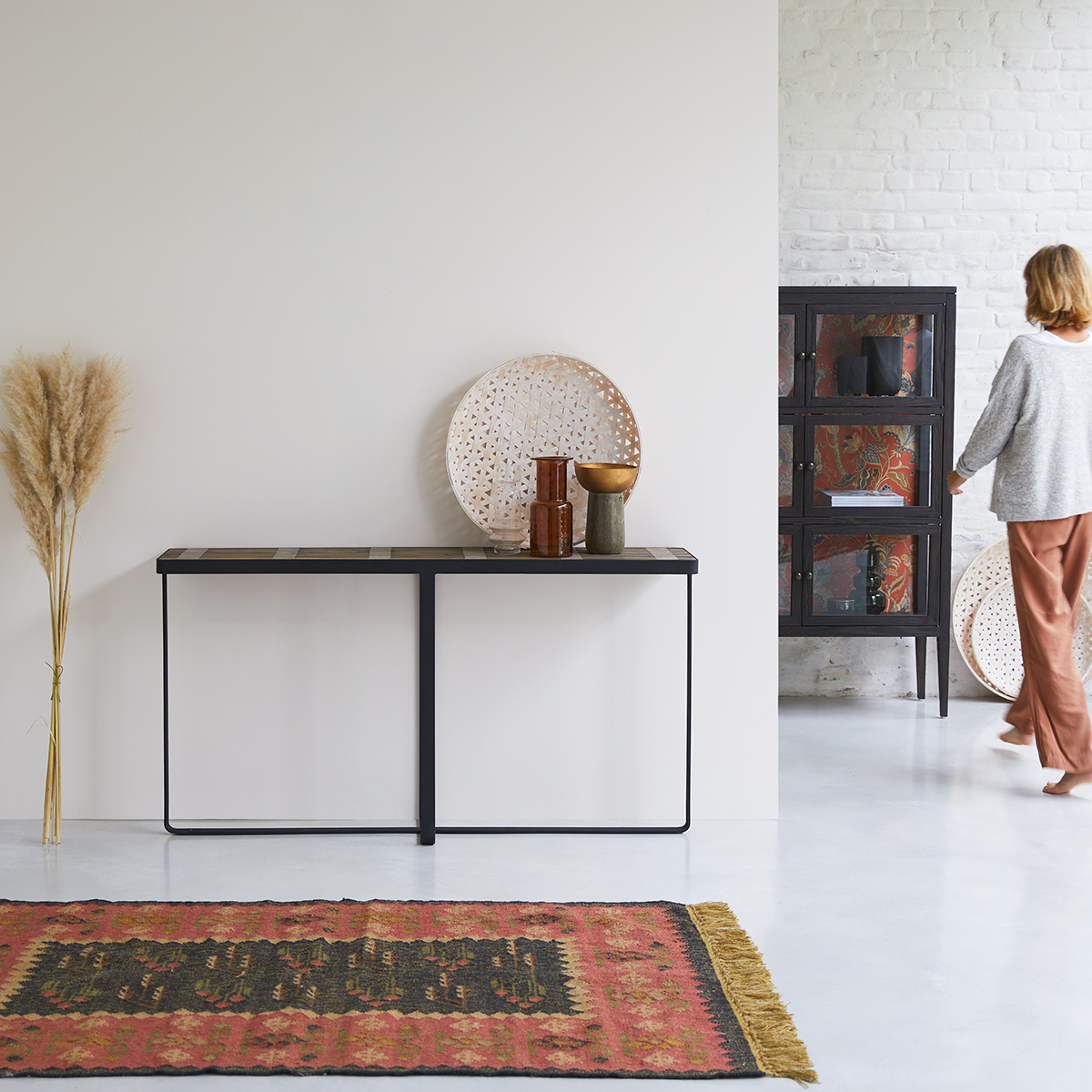 Anil solid pine and metal Console table