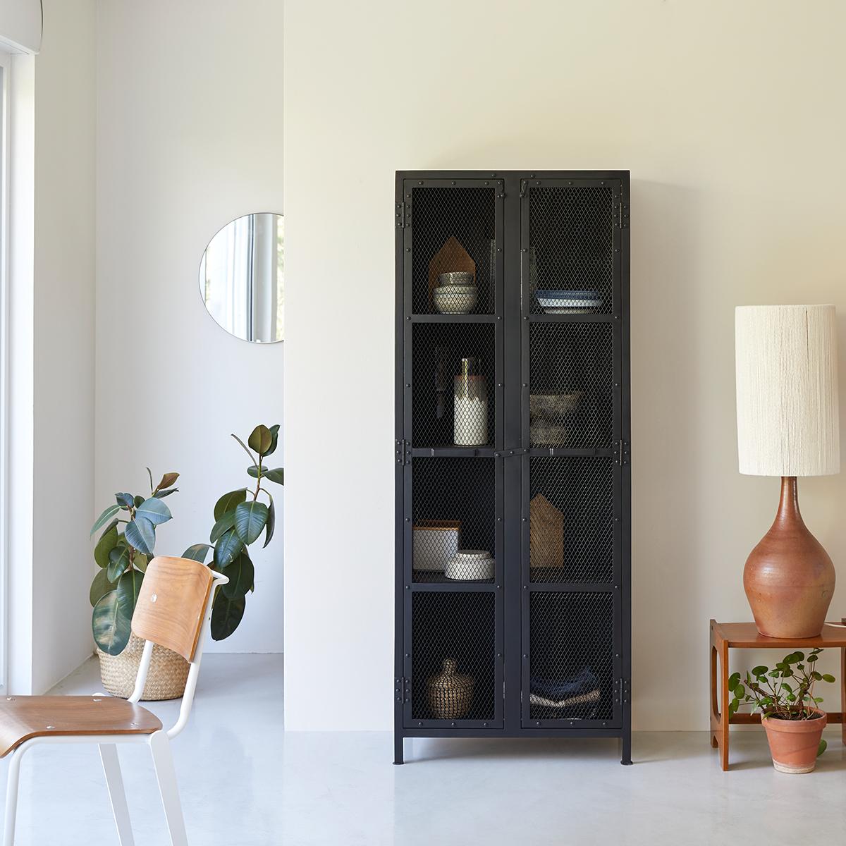 Industriel metal mesh Kitchen cabinet