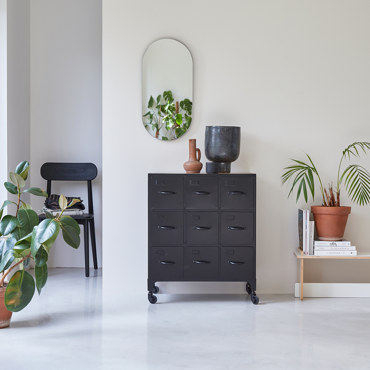 Industriel storage chest of drawers in metal