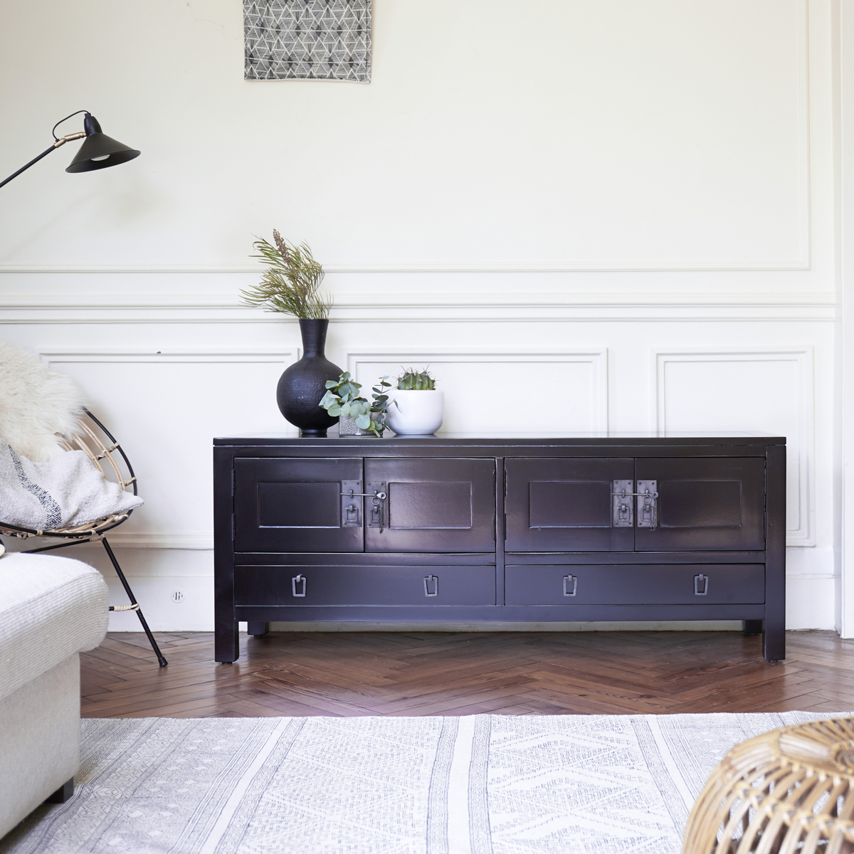 Thaki black mahogany TV Stand 140 cm